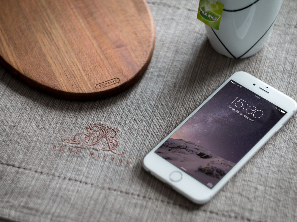 iphone-6-photo-mockup-full