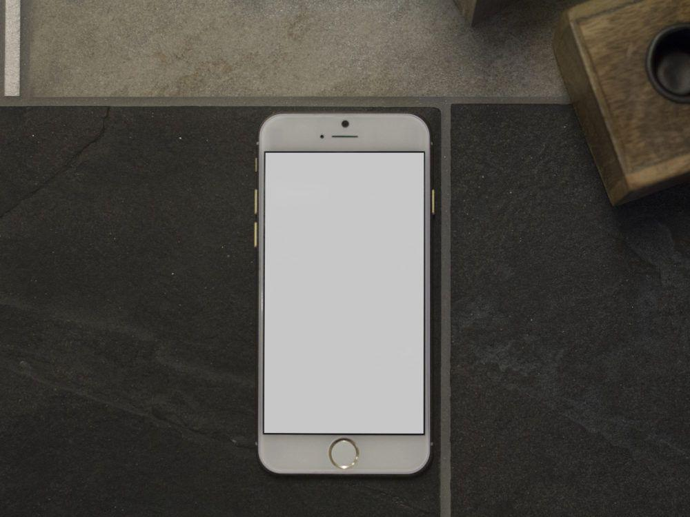 iphone-free-mockup