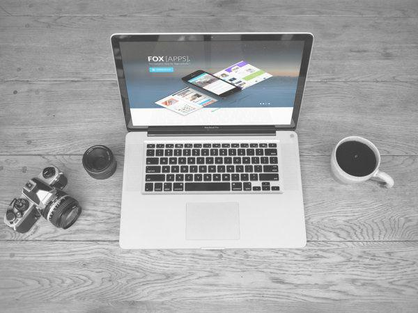 Free-Laptop-MacBook-PSD-mockup