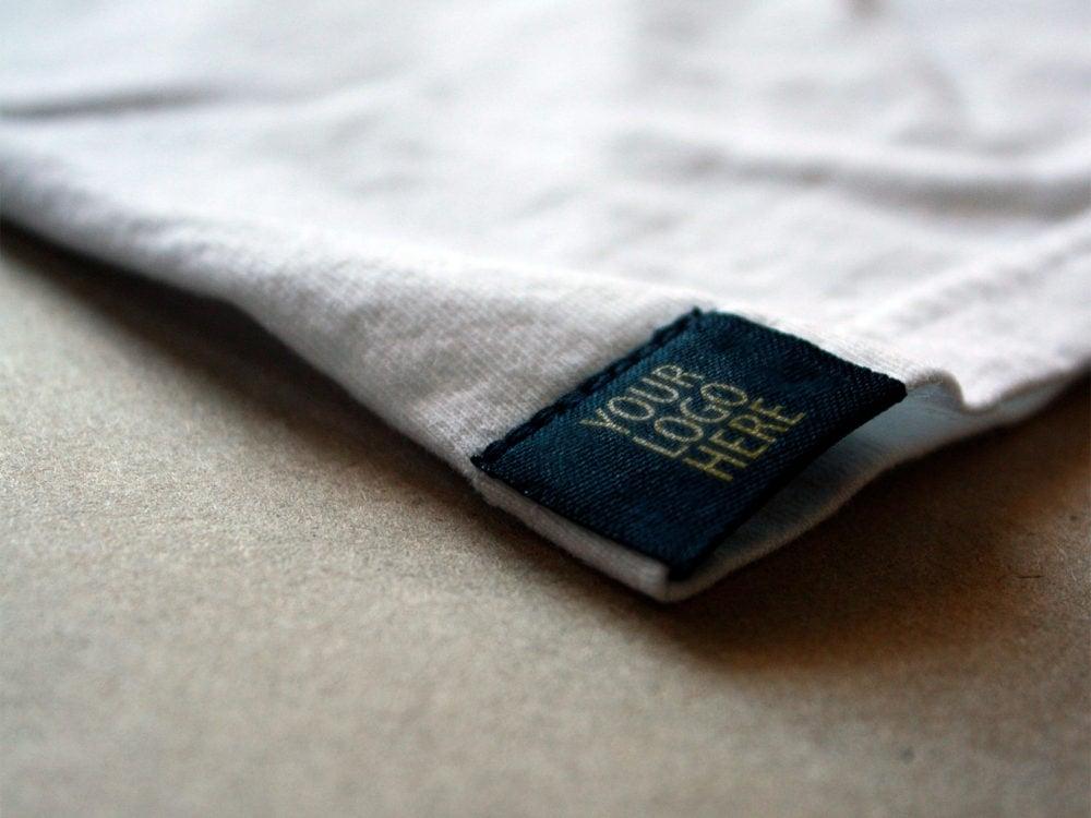 Free-T-Shirt-TAG-Mockup-Logo