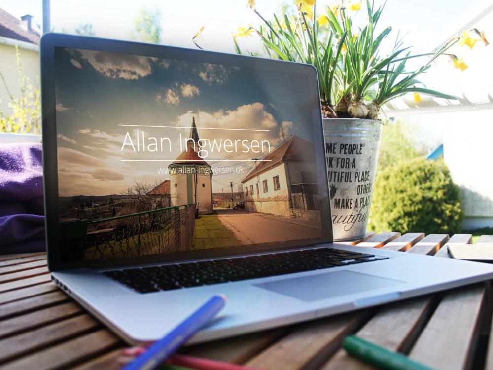 4 Free MacBook Mockup PSD
