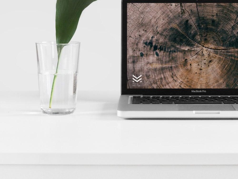 Free MacBook Mock Up PSD