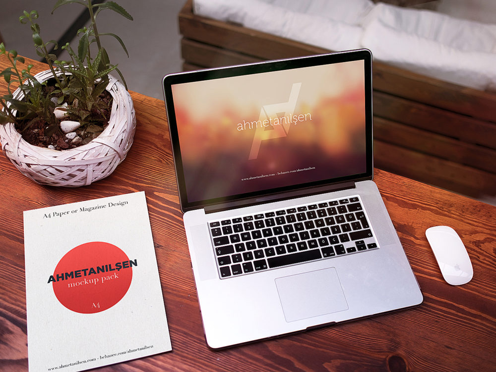 MacBook Web Mockup Free