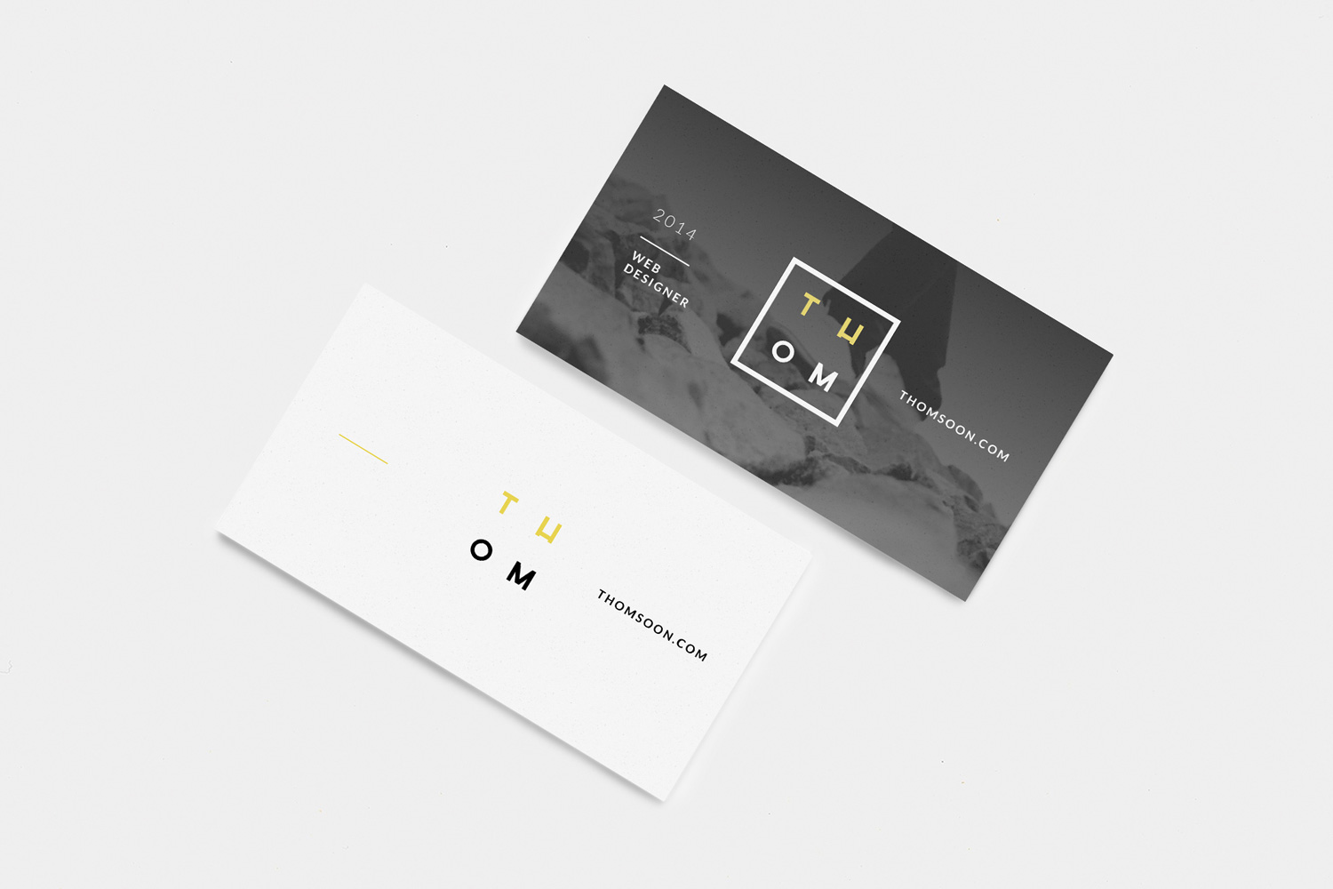 Business-Card-Free-Mockup-PSD-01