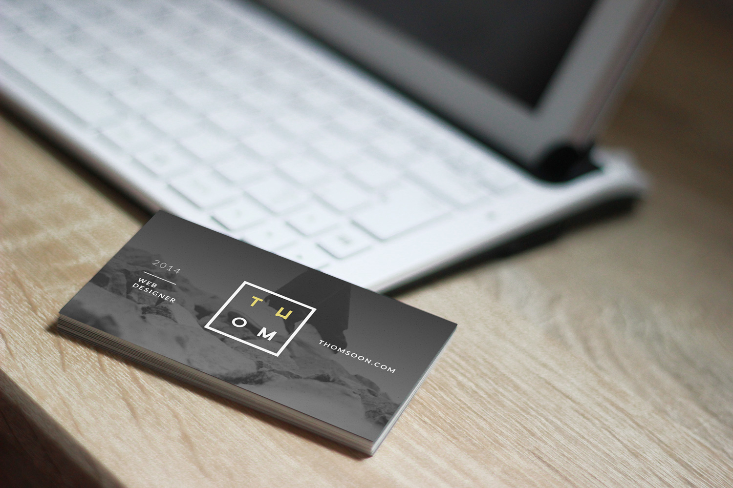 Business-Card-Free-Mockup-PSD-07