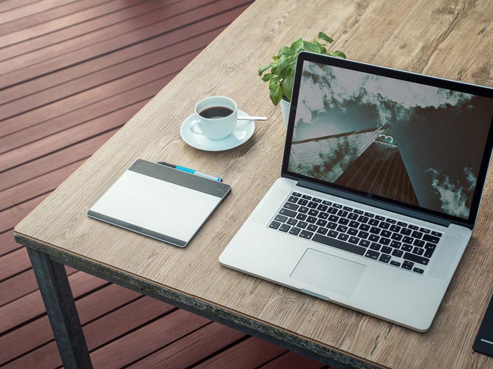 iMac and Macbook Mockups