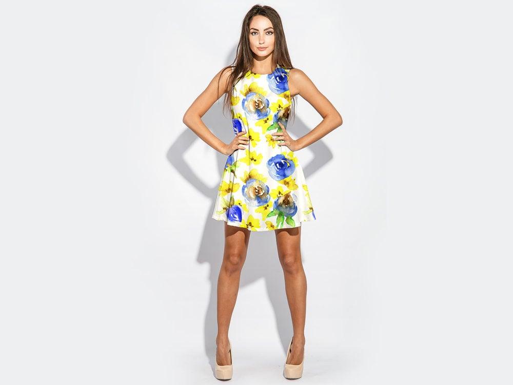 Free Woman Model With Dress Mockup
