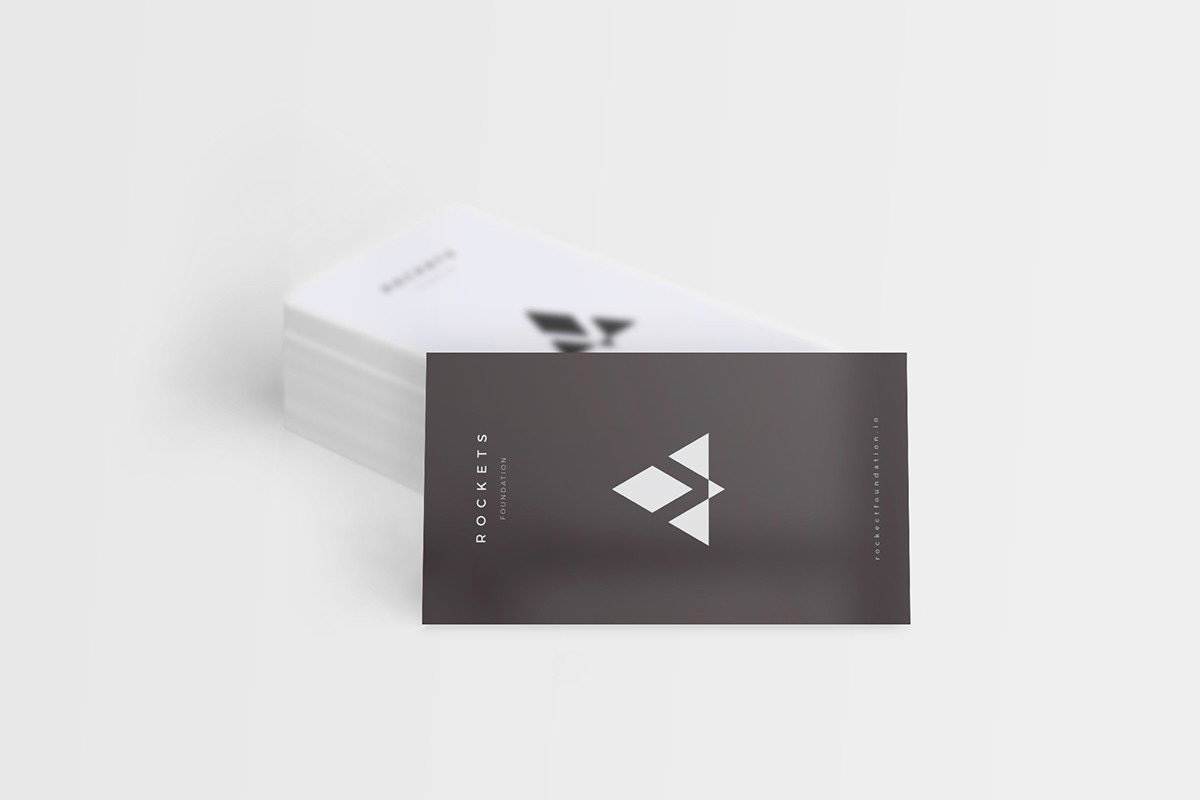 8-Free-and-Clean-Business-Card-Mockups-01