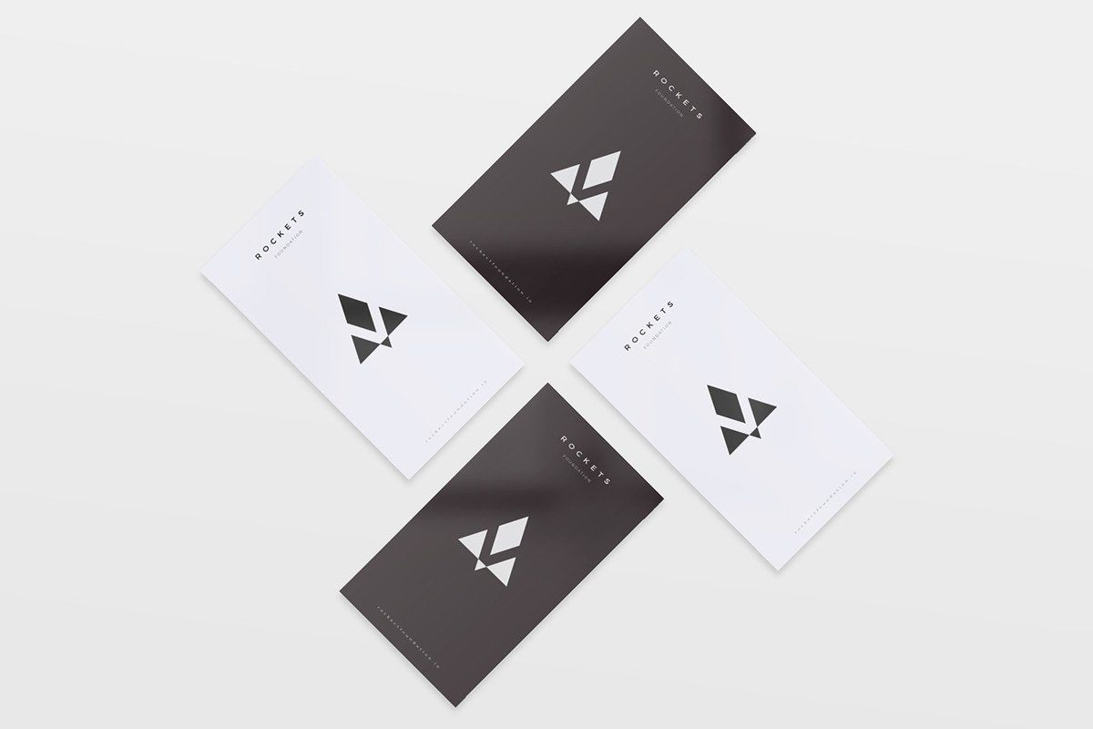 8-Free-and-Clean-Business-Card-Mockups-02