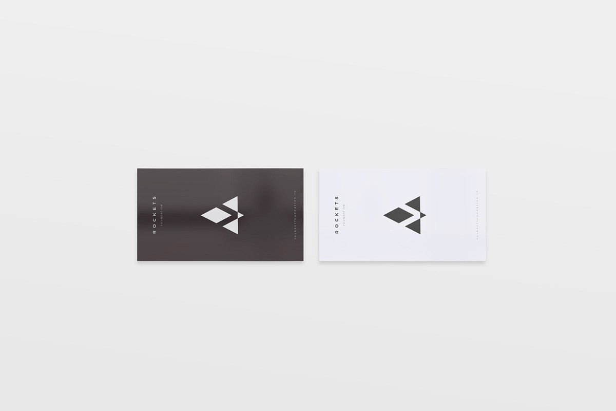 8-Free-and-Clean-Business-Card-Mockups-03