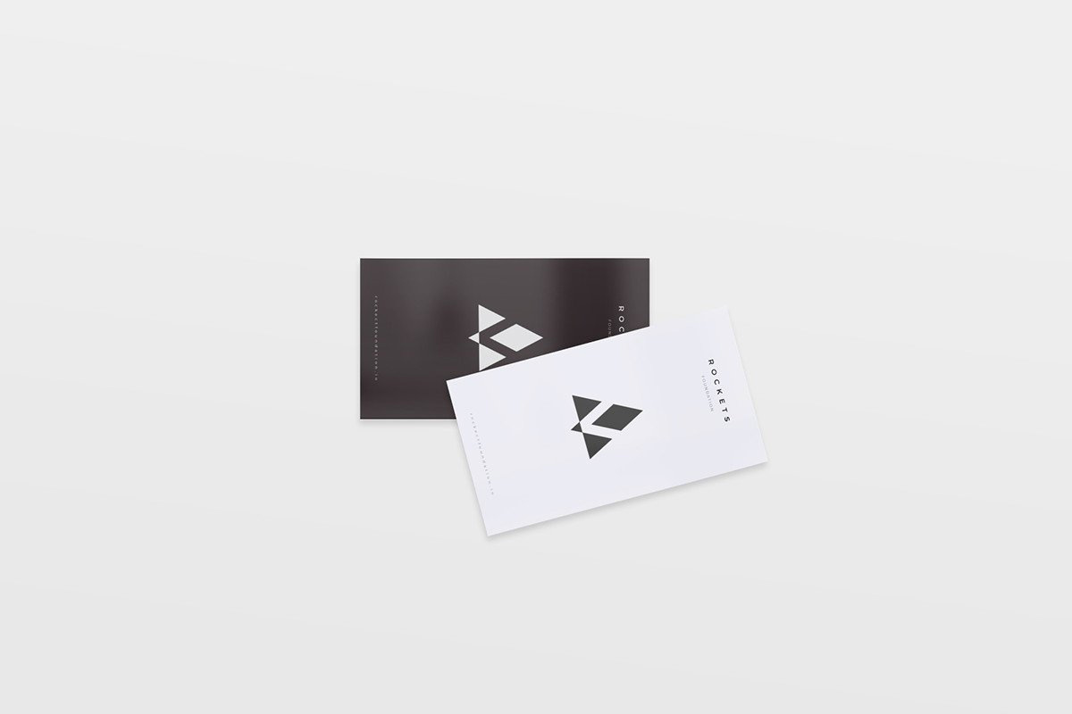8-Free-and-Clean-Business-Card-Mockups-04