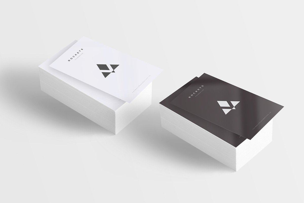 8-Free-and-Clean-Business-Card-Mockups-08