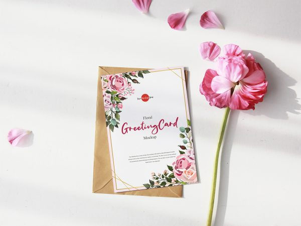 Free Greeting Card Mockup with Pink Flower PSD