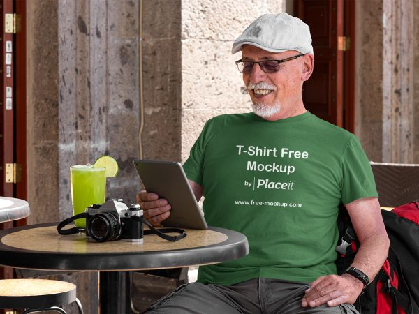 T-Shirt Placeit Free Mockup of a Senior Tourist